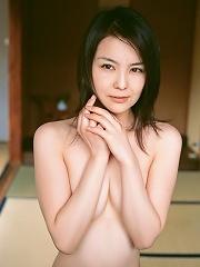 Captivating gravure idol chick enchants in her black lingerie