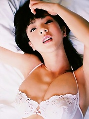 Aki Hoshino looking incredibly hot in her bra and panties