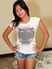 Cute and innocent looking Pinay babe sucks and fucks like a pro