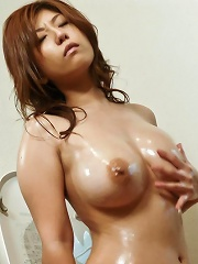 Big titty Naho Hadsuki rubs her titties on the mirror