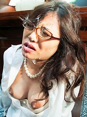 Hot secretary Ibuki services her boss and gets cum on glasses