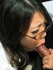 Seductive secretary Ibuki in nylon gets a facial on her glasses
