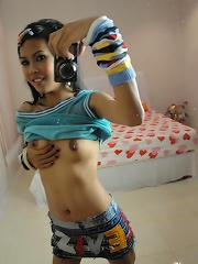 Thai girls hot self shot nude pics in this gallery