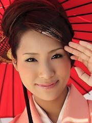 Japanese avidol Akira Ichinose in kimono gets fucked hard